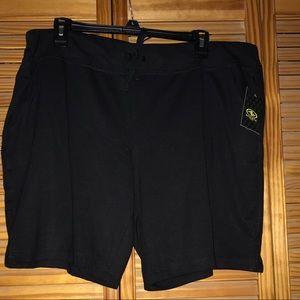 Athletic Works Black Bermuda Shorts XXL